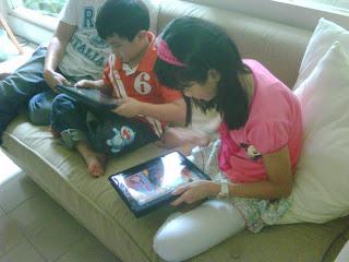 bermain tablet